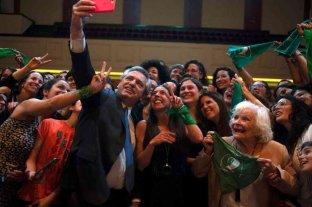 """Hay que """"despenalizar y legalizar"""" el aborto, insistió Alberto Fernández"""