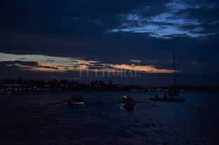Paraná vivió su primera regata nocturna