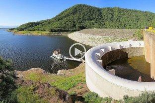Video: abrieron las compuertas del dique de El Cadillal