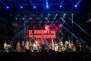 """Montaña sin fronteras - Impedido Charly García de actuar, fue reemplazado por su banda, con numerosos invitados de todos los """"palos"""". -"""