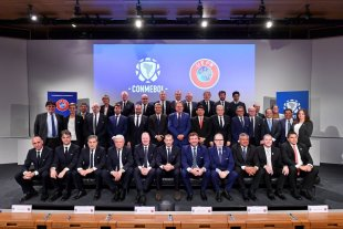 CONMEBOL y UEFA acordaron un programa de intercambio de árbitros