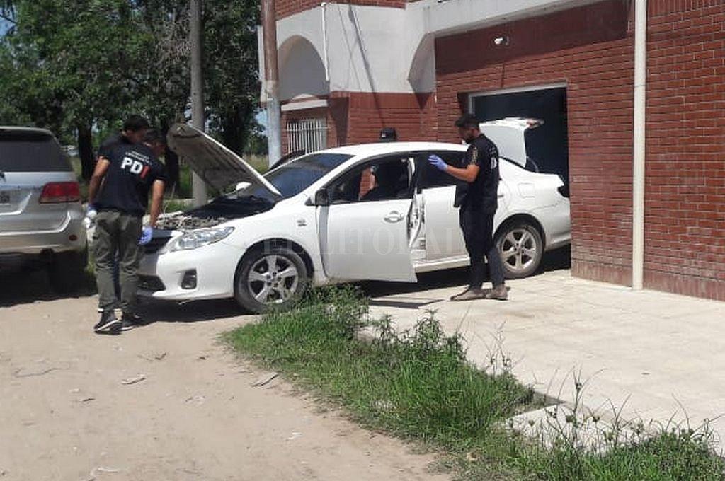 El auto secuestrado pertenece al hijo de un ex policía, que se presentó este miércoles ante los investigadores y dijo que fue amenazado por los delincuentes. Crédito: Gentileza