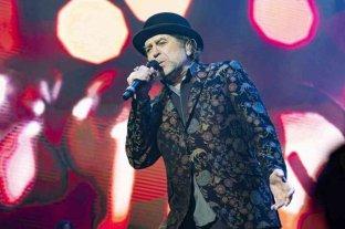 Joaquín Sabina fue operado de urgencia tras caerse de un escenario durante un recital
