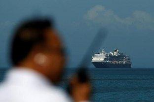 Afirman que hay 5 argentinos en el crucero rechazado por varios países por temor al coronavirus
