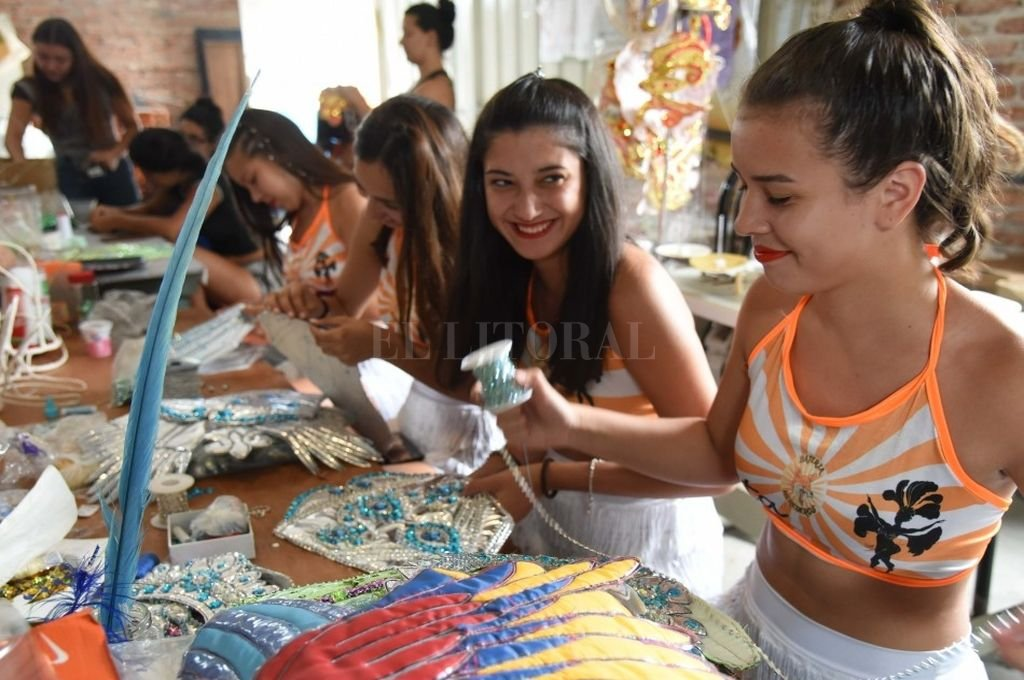 Preparativos. Los grupos comparseros se alistan para una nueva edición de los carnavales en Rosario. <strong>Foto:</strong> Prensa Mun. de Rosario