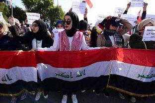 Mujeres marcharon en Irak contra un clérigo que postuló la segregación de las protestas por género