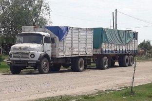 Vera: secuestraron un camión que llevaba rieles robados