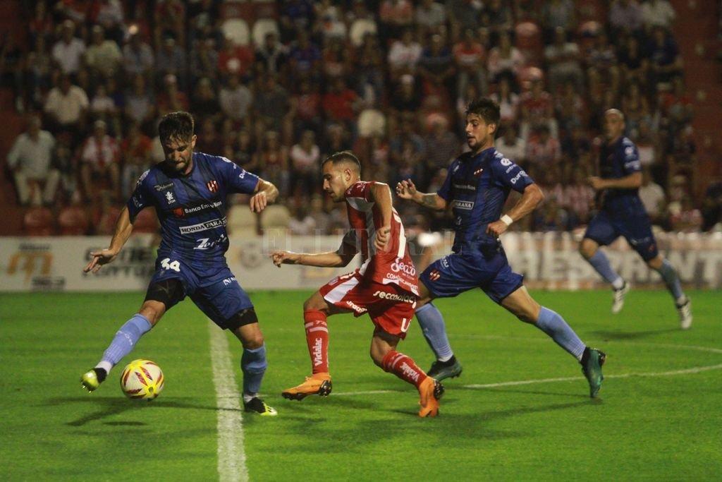 El último encuentro fue 2 a 2 en el 15 de Abril <strong>Foto:</strong> Pablo Aguirre