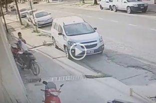 Video: Así robó una moto el ladrón que asaltó las dos panaderías en Santa Fe  -