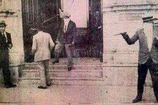 El robo al Nuevo Banco Italiano, el primer gran golpe delictivo de la historia de la ciudad - Una de las postales de la reconstrucción del hecho.