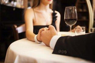 Salir a cenar es la opción más elegida para festejar San Valentín