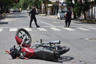 Accidentes de tránsito: la primera causa de muerte y secuelas en niños y jóvenes  - ¿Controles? Los menores de 12 años no pueden viajar en motos. -