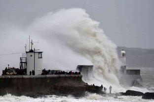 Alerta en Reino Unido, por la llegada de otra tormenta tras el paso de Dennise