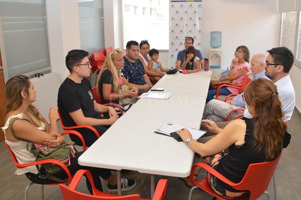 Reunión entre Lamberto y representantes de autoahorristas. Crédito: Defensoría del Pueblo