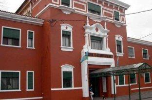 Un médico murió al caerle un poste de luz en la puerta del Hospital Gutiérrez -  -