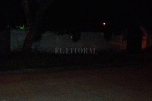 Vecinos de barrio Sargento Cabral preocupados por la falta de iluminación