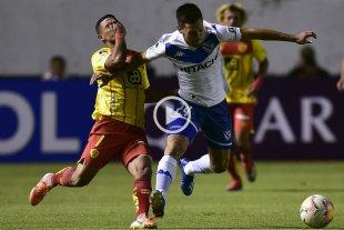 Copa Sudamericana: Vélez marcó en el último minuto y eliminó a Aucas por gol de visitante
