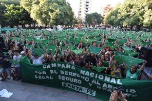 """""""Pañuelazo verde"""" en Santa Fe para reclamar por el aborto legal -  -"""