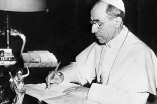 """El Vaticano confía que hay """"muchos documentos"""" de Pio XII que muestran su ayuda a judíos perseguidos"""