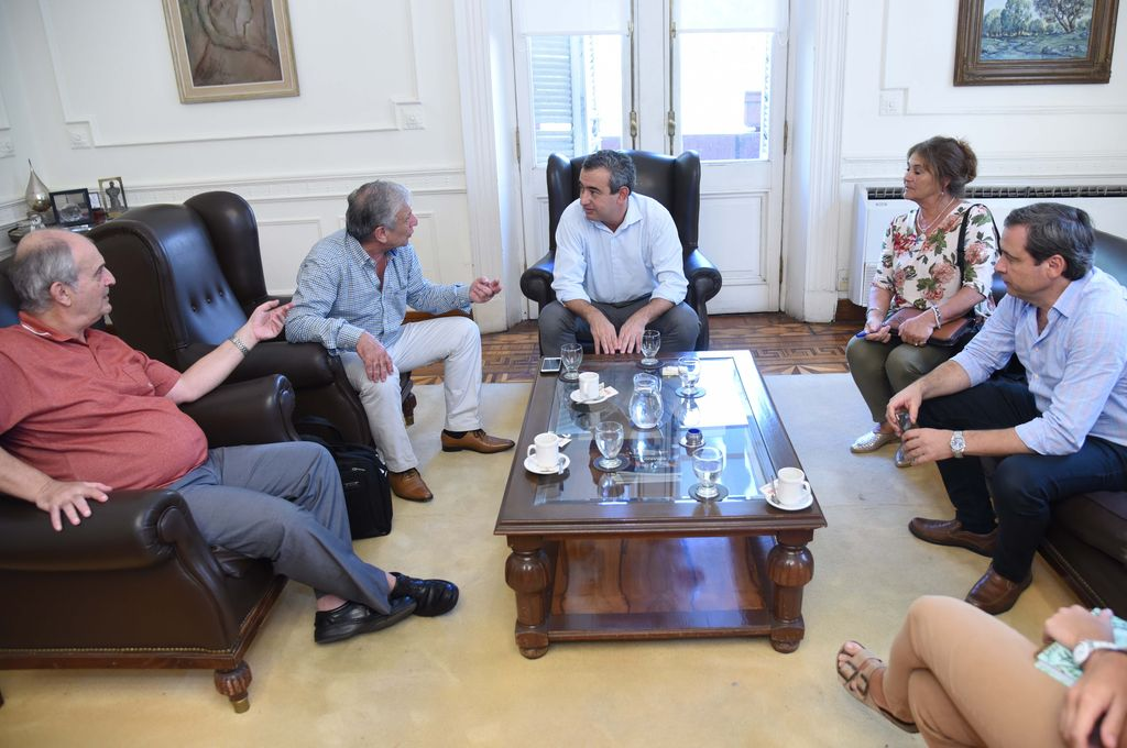Además, ambos jefes comunales definieron generar una mesa conjunta y permanente para intercambiar información y precisar en detalle cuáles son las zonas más críticas. Crédito: Prensa Rosario