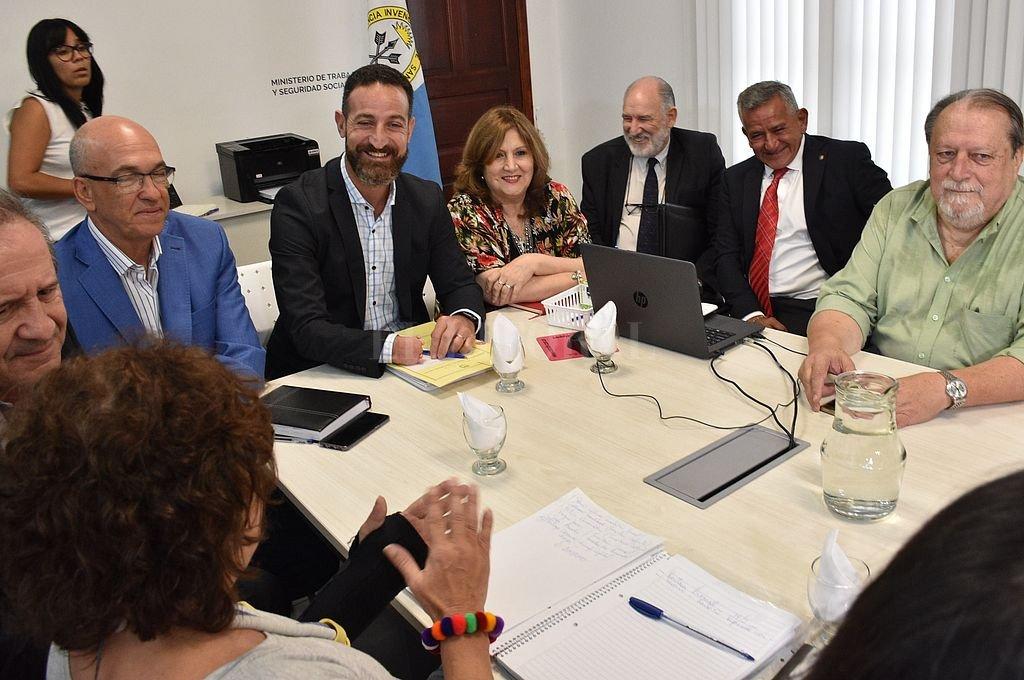 Primer encuentro paritario docente de 2020. Crédito: Mauricio Garín
