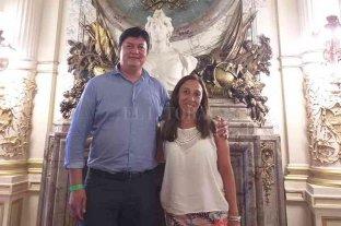 Concejales donaron sus sueldos para ayudar a los afectados por las lluvias - Javier Barbona y Eliana Tedini, de Sumemos Esfuerzos. -