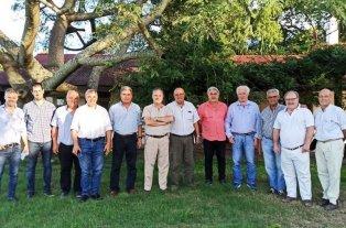 Reunión por los Bajos en Las Gamas