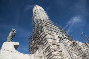Omar Perotti destrabó los fondos para restaurar el Monumento a la Bandera