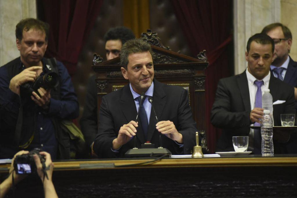 """Los dirigentes locales estuvieron acompañados por el diputado Oscar """"Cachi"""" Martínez. Crédito: Gentileza"""