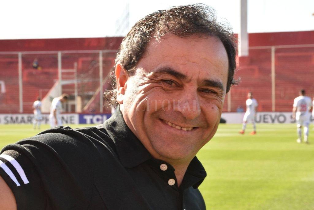 """El """"Sapito"""" Coleoni volverá a visitar el 15 de Abril. Estuvo en agosto del año pasado, cuando se jugó un partido de Copa Argentina ante All Boys, que los santiagueños ganaron por la mínima diferencia. Crédito: Luis Cetraro"""