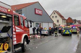 Al menos 30 heridos por la embestida de un auto contra un desfile de carnaval en Alemania