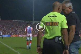 Video: El fuerte cruce entre Madelón y el cuarto árbitro -