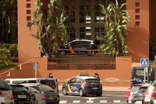 Centenares de turistas permanecen encerrados en un hotel de Tenerife tras un diagnóstico de coronavirus -  -