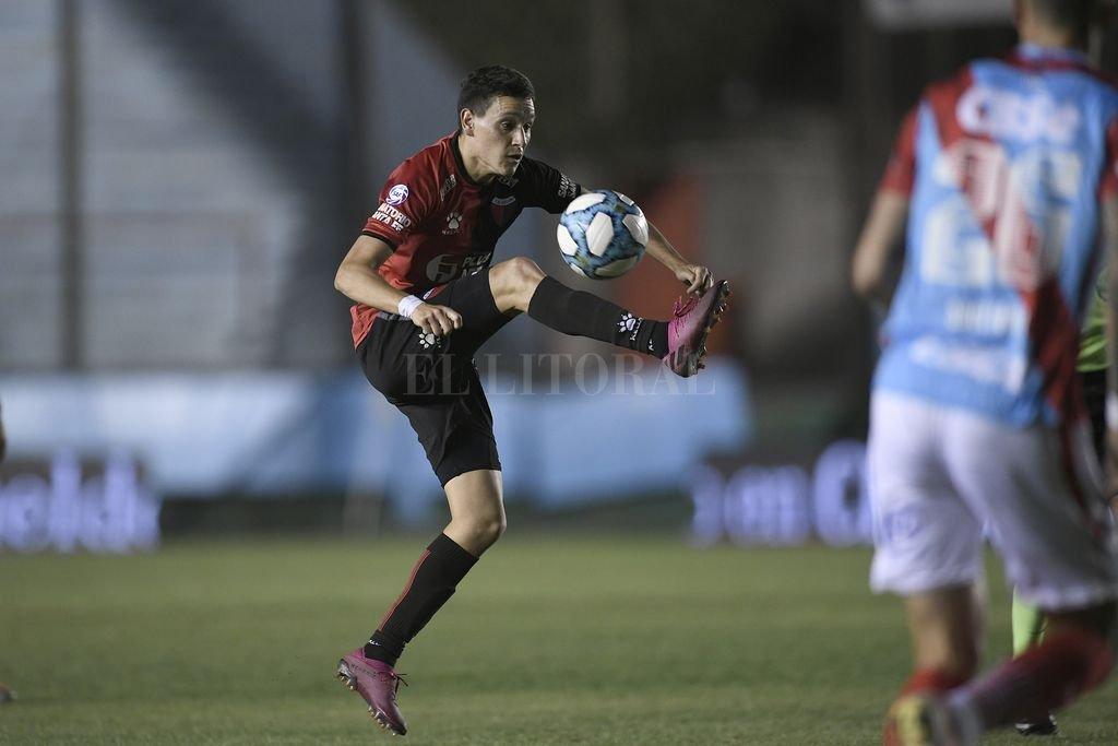 Fernando Zuqui jugó en el equipo titular en la práctica de fútbol de este martes. Asoma su retorno para el encuentro ante el equipo de Miguel Russo. Crédito: Matías Nápoli