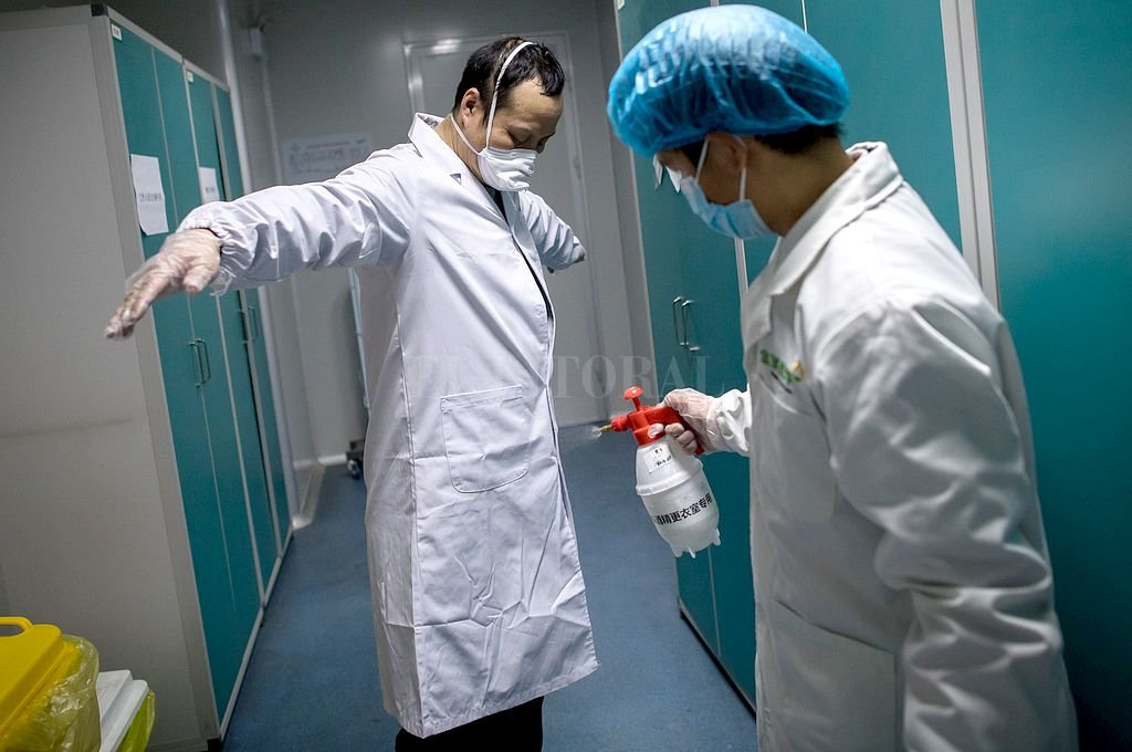 Coronavirus: la OMS desestimó falsos datos que circulan en las redes -  -