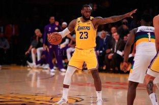Los Lakers ganaron con 40 puntos de LeBron