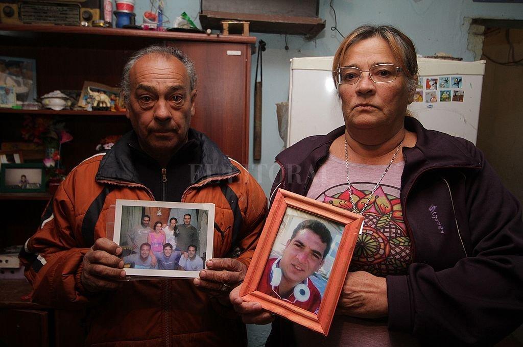 """""""A mi hijo lo mataron porque no quería vender drogas"""" aseguró Cristina, mamá de Lucas Ayala. Crédito: Pablo Aguirre / Archivo"""