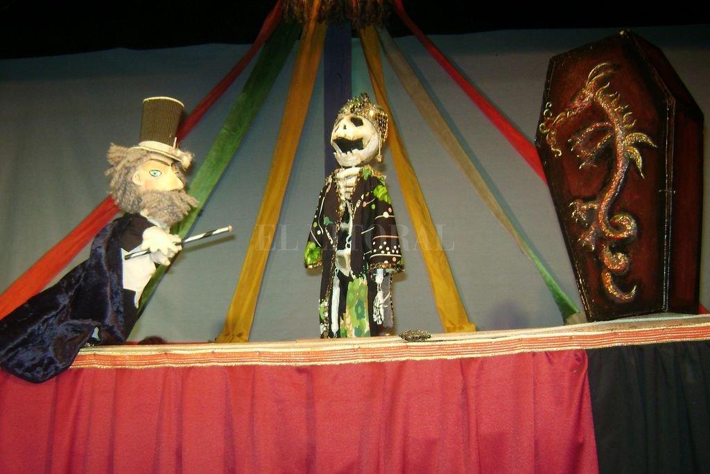 """""""El gran Circo Mágico"""", un clásico del arte titiritero en Santa Fe. Crédito: Archivo El Litoral / El Retablo de las Maravillas"""