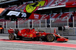 Vettel y Ferrari lideran una jornada de sufrimiento para Hamilton y Mercedes