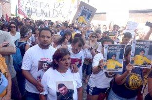 """Piden la """"inmediata detención"""" por """"encubrimiento"""" de dos policías que custodiaban el boliche"""