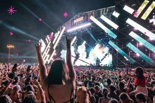 Lollapalooza Argentina confirma su lineup -  Serán tres días con cinco escenarios y más de cien bandas, junto a propuestas gastronómicas de todo el mundo, intervenciones artísticas y activaciones únicas. -