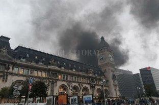 París: incendiaron la estación de trenes Gare de Lyon