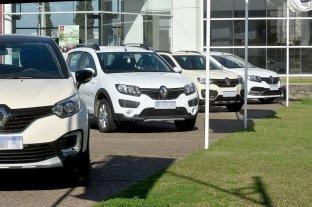 Gobierno y automotrices analizan alternativas para rebajar cuotas de planes de ahorro