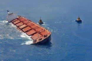 Un barco surcoreano derramó petróleo en la costa brasileña