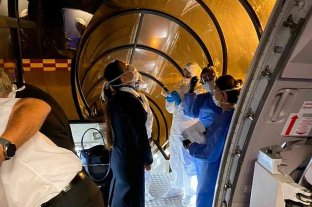 Activaron el protocolo de coronavirus a bordo de un avión que venía de Miami -  -