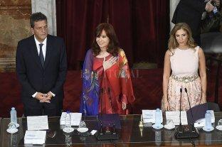 Cristina Fernández abrió la Asamblea Legislativa y siguió expectante el discurso presidencial