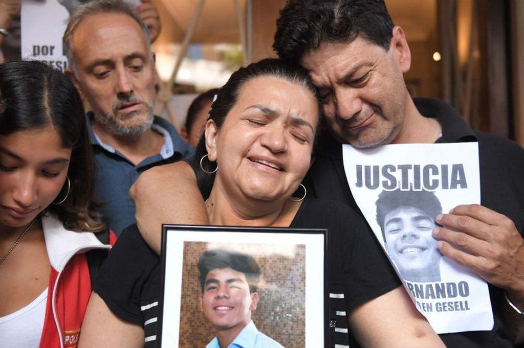 La familia de Fernando, en una de las marchas donde se reclamó justicia. Crédito: Télam