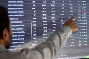 El riesgo país se mantiene en 4.050 puntos, y los bonos y ADRs registran tendencia positiva