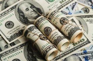 El dólar bajó 10 centavos y cerró a $ 66,51 -  -
