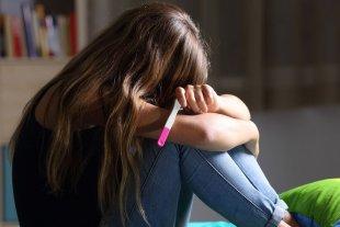 Pobreza y desempleo: el impacto del embarazo adolescente no deseado